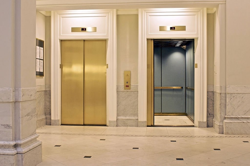 Elevator - Dream Meaning and Symbolism 7