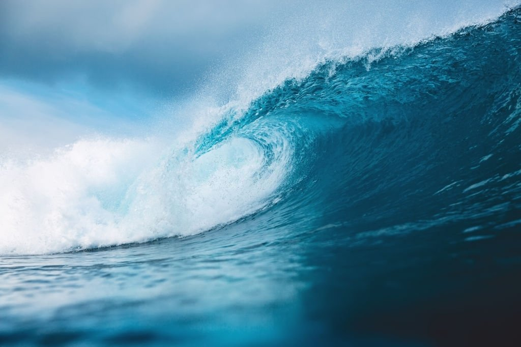 Wave – Dream Meaning and Symbolism 4
