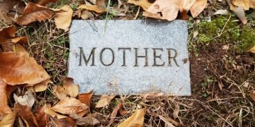 Mother's Death- Dream Meaning and Symbolism 39