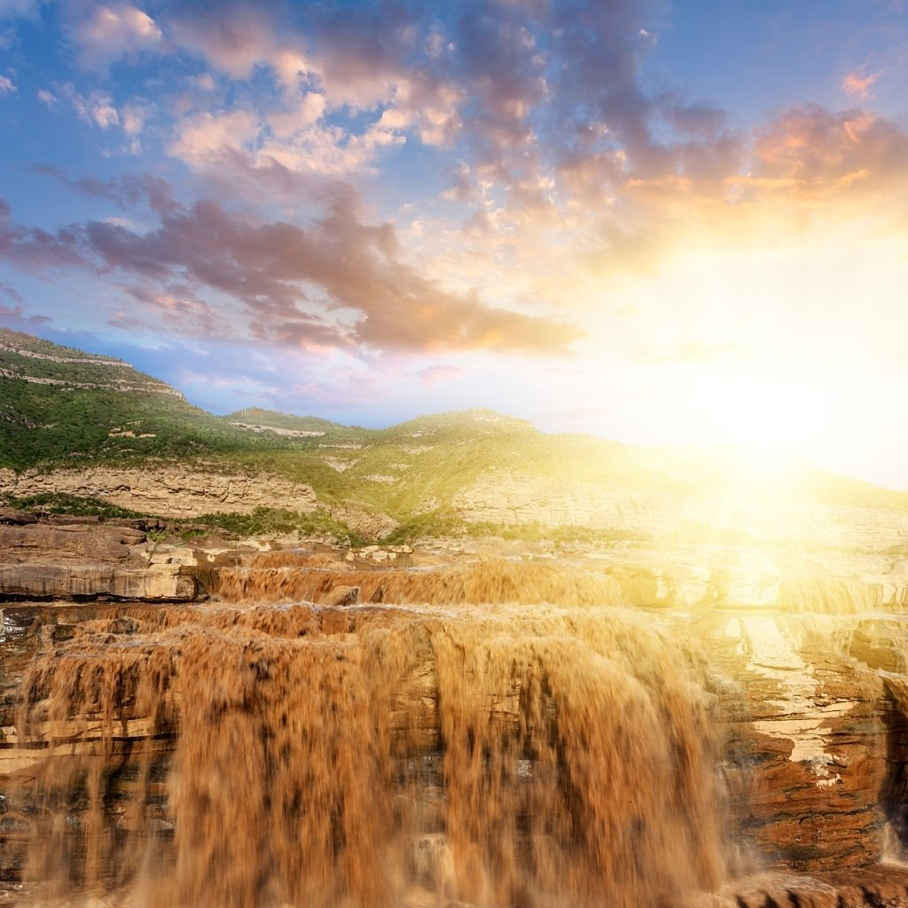 Waterfall – Dream Meaning and Symbolism 3