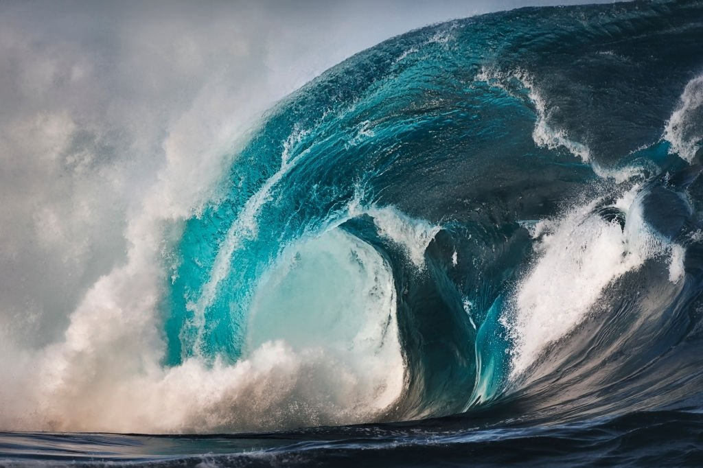 Wave – Dream Meaning and Symbolism 3