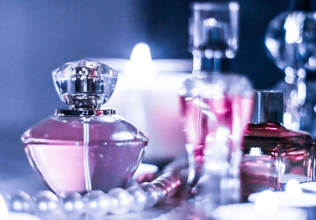 Perfume – Dream Meaning and Symbolism 3