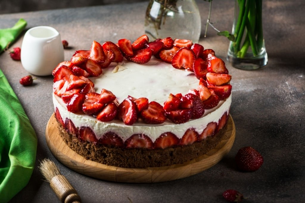 Cake – Dream Meaning and Symbolism 8