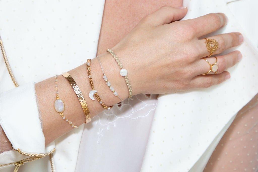 Wears Gold Jewelry