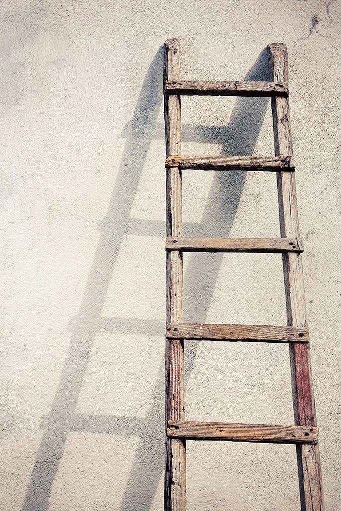 Escalera - Significado Y Simbolismo De Los Sueños 4