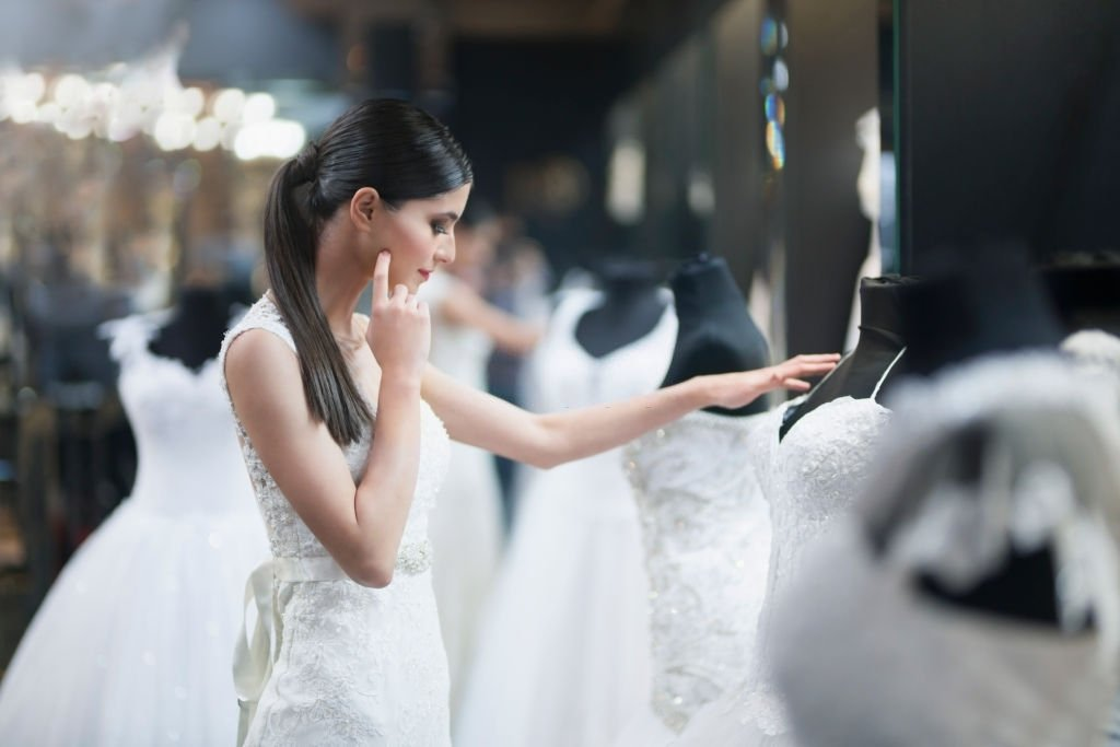 Wedding Dress – Dream Meaning and Symbolism 5