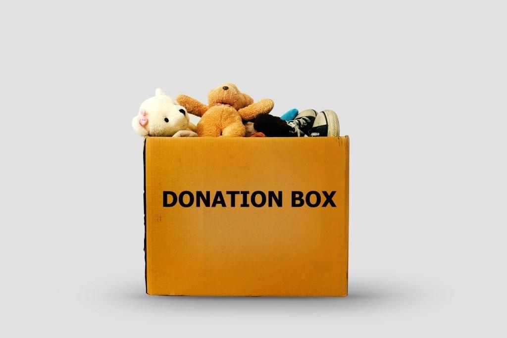 Donates Toys