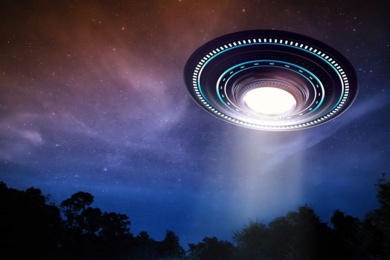 Flying Saucer – Dream Meaning and Symbolism 1