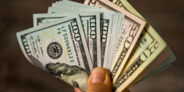 Paper Money – Dream Meaning and Symbolism 13
