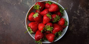 Strawberry – Dream Meaning and Symbolism 9